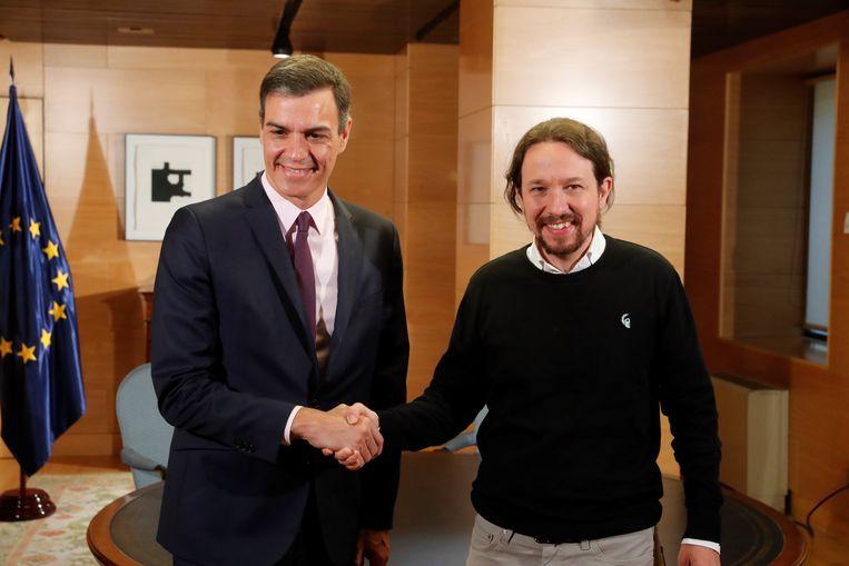 Premier Pedro Sánchez en Podemos-voorzitter Pablo Iglesias na hun ontmoeting vanmiddag.
