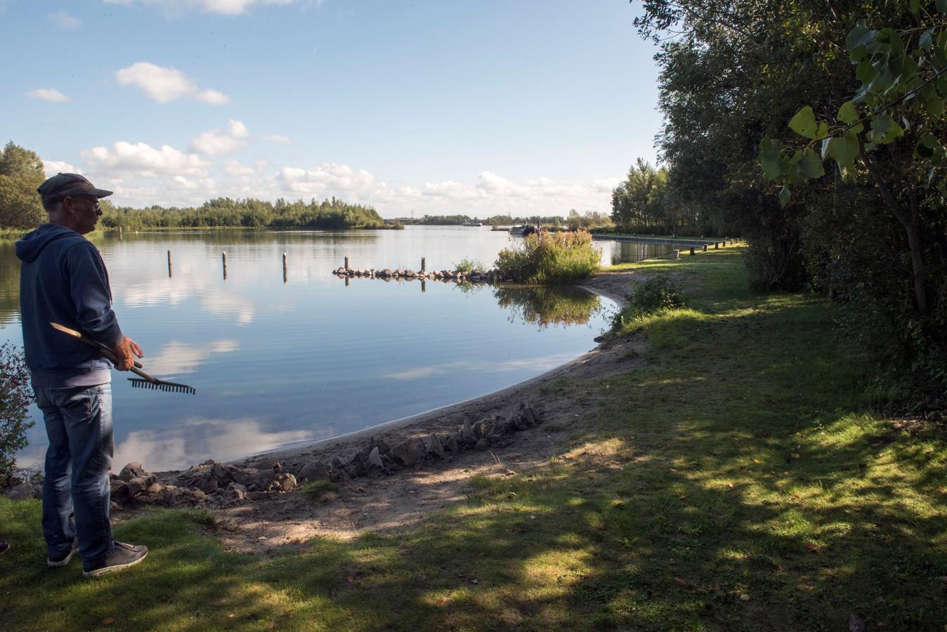 Beheerder Gerrit Houtzager van het Randmeereiland Knarland in het Wolderwijd bij Harderwijk: ,,Op een eiland kom je tot rust.''