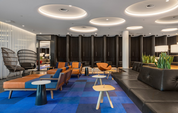 De nieuwe KLM Lounge, ontworpen door designbureau Concrete.
