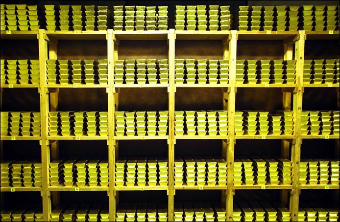 Een gedeelte van de goudvoorraad in de kluizen van de Nederlandse Bank.