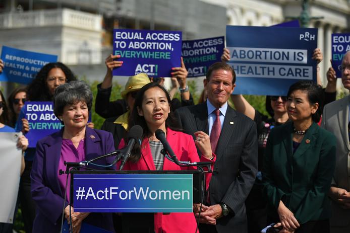 Leana Wen, voorzitter van de Planned Parenthood-koepel in de VS, donderdag op een pro-abortus manifestatie bij het Capitol in Washington.