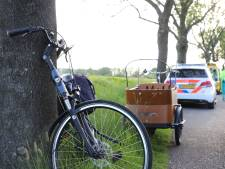 Man laat vrouw (70) na fietsongeluk in IJsselmuiden op straat liggen: 'Het gaat wel hè?'
