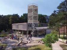 Straks kijk je over de bossen uit: uitkijktoren StayOkay gaat eind januari open