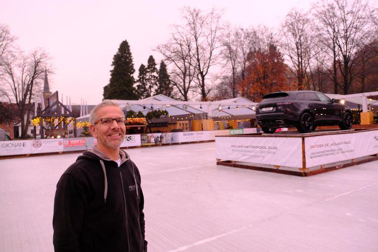 Organisator Philip Wouters op de schaatspiste, die 900 vierkante meter groot is.