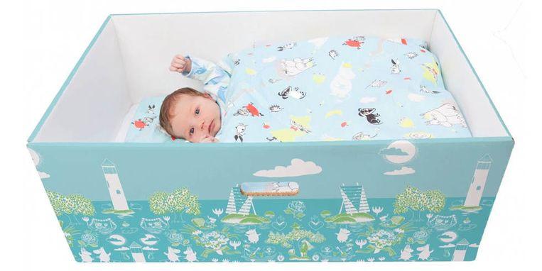 Baby's die slapen in een doos, in Finland is dat de normaalste zaak van de wereld.