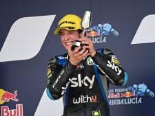Motorcoureur Vietti krijgt 22 hechtingen na 'ontkurken' prosecco op podium