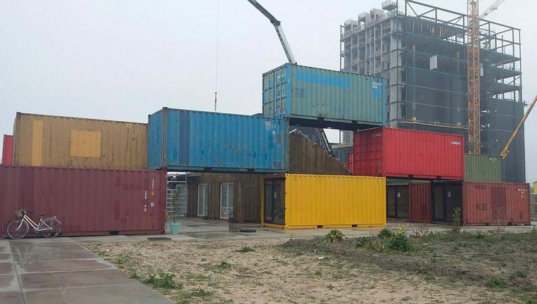 Het containerdorp op het Science Park. Beeld Bart van Zoelen