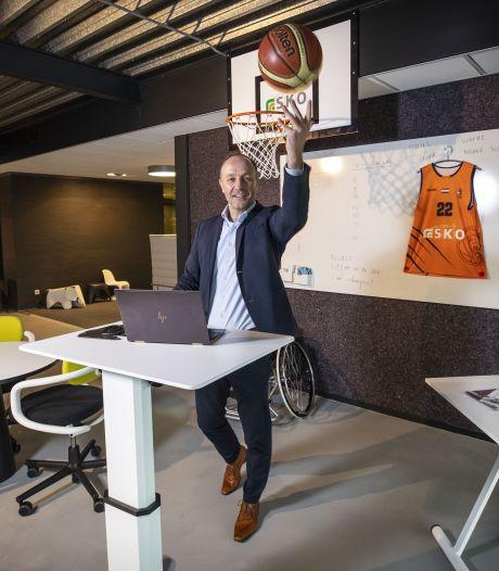 SKO Oldenzaal maakt zich sterk voor 'zitloze werkdag' in het land dat Europees kampioen 'veelzitten' is
