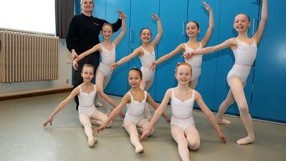 Leerlingen Ballerino treden op met Moscow Classical Ballet