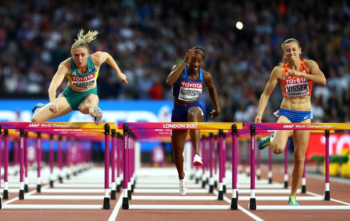 Sally Pearson (links), Kendra Harrison en Nadine Visser (rechts) in de finale van de 100 meter horden.