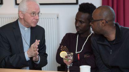 Bisschoppen bezoeken vluchtelingen en roepen op tot meer menselijkheid