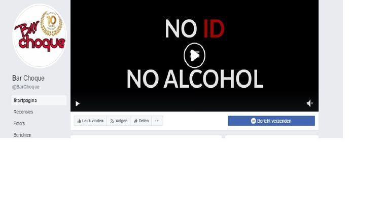 Op de Facebookpagina van het café staat een filmpje waarin wordt getoond dat wie alcohol wil drinken, eerst z'n identiteitskaart moet tonen.