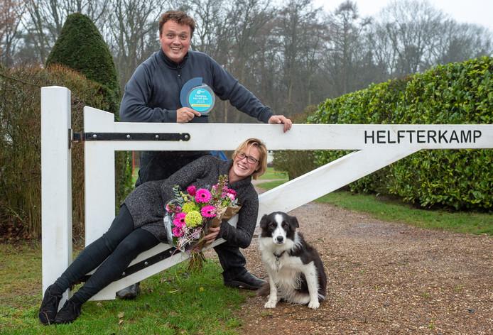 Bart en Kirsten Looijmans zijn apetrots dat hun camping De Helfterkamp door de ANWB is uitgeroepen tot mooiste groene camping van het jaar 2019.