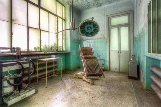 Beeld uit een oud ziekenhuis in Italië