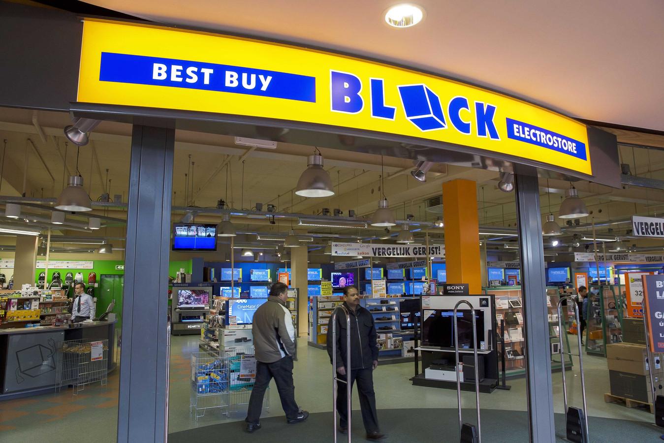 Elektronicaketen De Block met zijn twintig vestigingen werd in 2013 bankroet verklaard. Het is niet het enige faillissement in de sector: afgelopen half jaar volgden Dixons en Foto Klein.