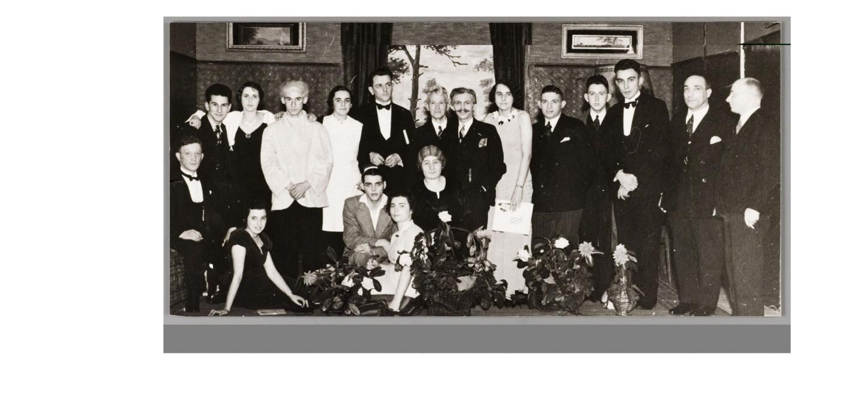 De beste vooroorlogse toneelvereniging van Oss gefotografeerd in 1931: toneelvereniging Wilhelmina, opgericht in1898.