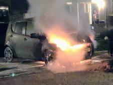 Autobrand in Uden, politie doet onderzoek