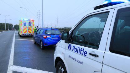 Zware verkeersagressie na banale aanrijding: bestuurder krijgt vuistslagen door het raam van zijn auto