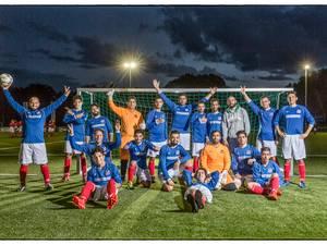 Syrische All Stars voetballen in Bussum