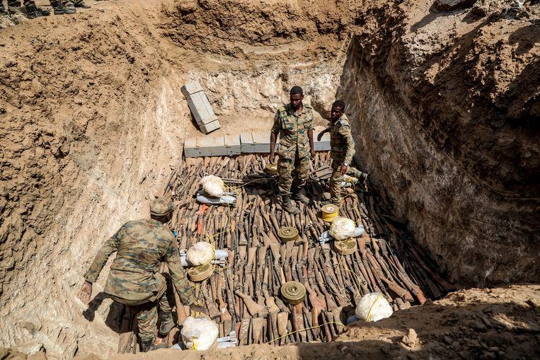 In september werden bij een grootscheepse actie 300.000 illegale wapens vernietigd. Beeld Getty Images