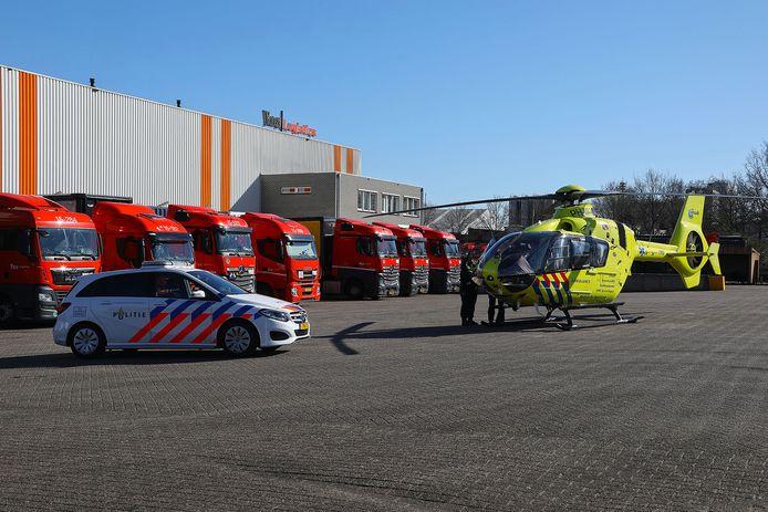 De traumahelikopter landde op bedrijventerrein Elzenburg in Oss.