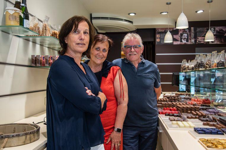 Samen met Miriam en Robert, gaat ook medewerkster Christiane (links) op pensioen.