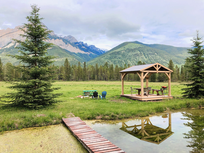 Parmi mes bons plans dans les Rocheuses canadiennes: louer une cabane en pleine nature.