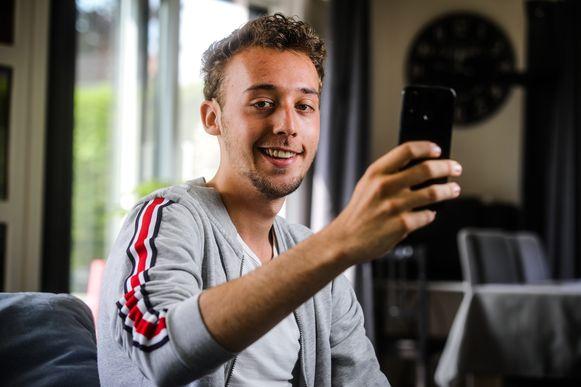Knokke Jietse Pauwaert maakt filmpjes over zijn moeder Kathleen