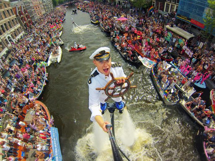 Een selfie van Bo Krook tijdens de Canal Parade in Amsterdam