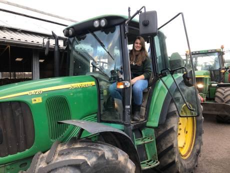 Kijk terug | AD Groene Hart rijdt mee op trekker van 16-jarige Sofie: 'Laf dat Schouten niet komt'
