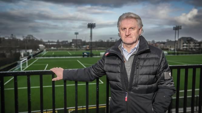 Sportief directeur Eric Eurlings van Sporting Hasselt is druk bezig met de voorbereiding op volgend seizoen