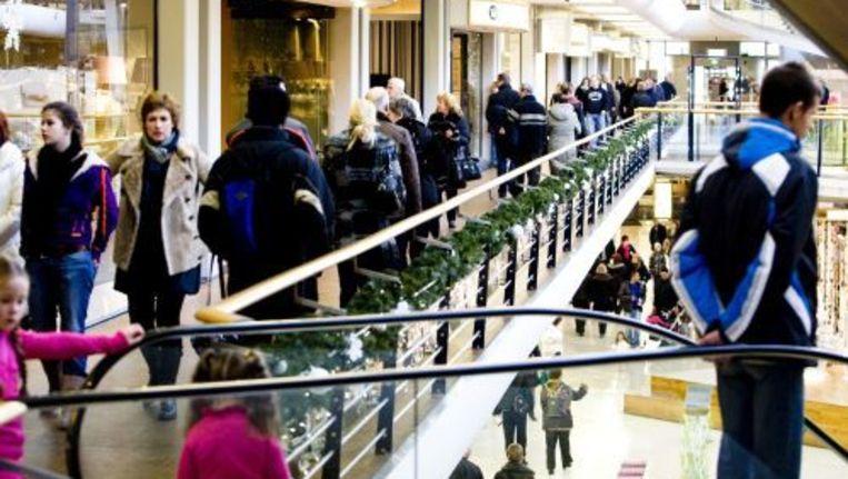 Winkelend publiek zaterdag in woonboulevard Alexandrium in Rotterdam. Een uitje naar de meubelboulevard op tweede kerstdag is voor veel Nederlanders traditie geworden. Toch is het in Alexandrium zaterdag niet buitengewoon druk. ANP Beeld