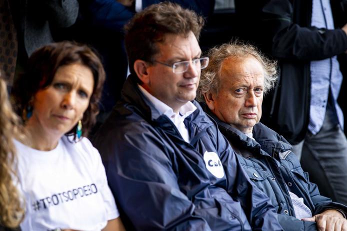 CDA-Kamerlid Jaco Geurts en oud-staatssecretaris van Landbouw Henk Bleker (CDA) spraken bij het protest op het Malieveld hun steun uit aan de boeren.