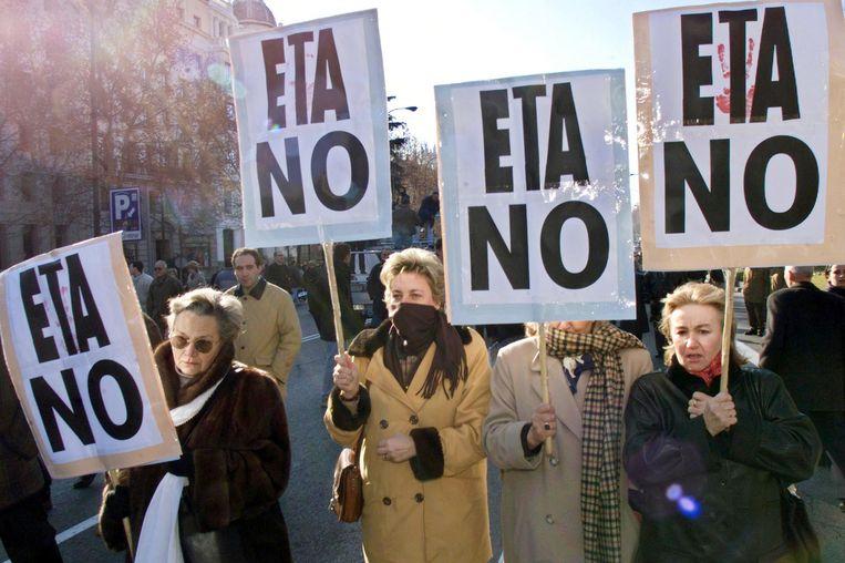 Demonstranten in Madrid tijdens een grote protestactie tegen de Eta in 2000. Beeld AFP