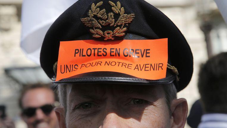 Een stakende piloot van Air France. Beeld ap