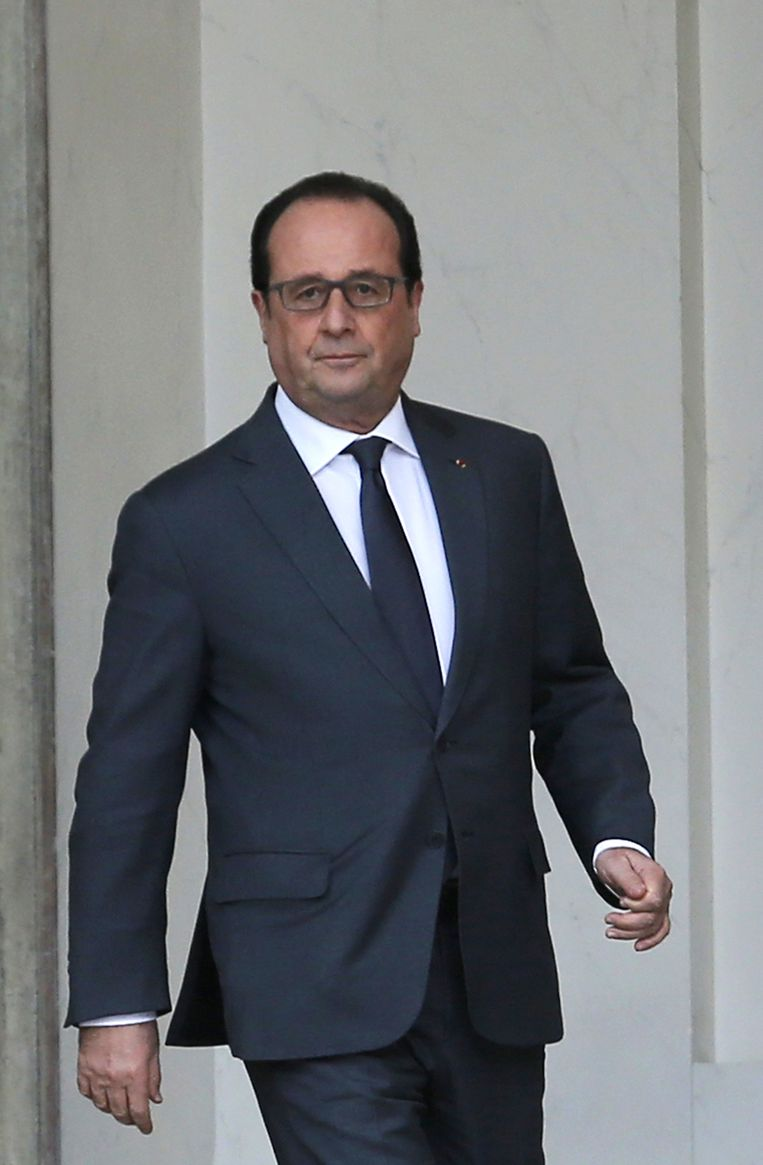 Hollande verlaat het Elysée Beeld ap