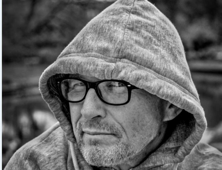 Rik Launspach verruilde jaren geleden het leven als acteur voor het schrijversbestaan. Beeld Patrick Post