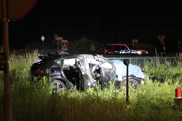 De beschadigde auto in Veenendaal.