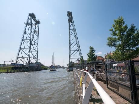 Boetes van 390 euro voor de 27 bezoekers van Bienvenida Waddinxveen