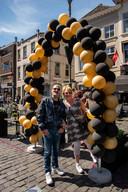 Jolanda en Chris Meerman wachten geduldig totdat ze het terras van Heeren van Breda op mogen.