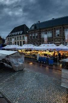 Geen hulp, wel tevredenheid bij Kampense marktkooplieden