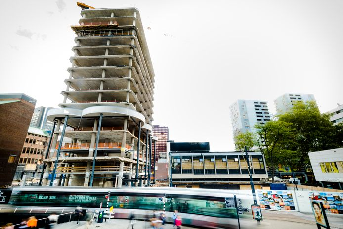 Het Forum gebouw bij de Lijnbaan / Beurstraverse / Koopgoot. FOTO MARCO DE SWART