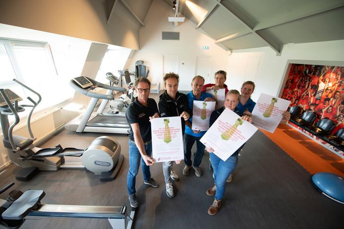 Enkele actievoerende fysiotherapeuten met vanaf links Patrick ter Brugge, Rob Alferink, Johan Dekkers, Wilma Legtenberg, Miranda Waanders en Bernadette Bakker.