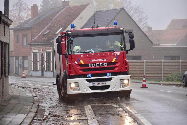 De brandweer moest anderhalve week geleden ook al op pad naar de Stokerijstraat, om er de modder te ruimen die een dag eerder achtergelaten werd door de deelnemers aan de veldtoertocht van WTC Tielt Sportief.