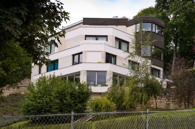 De villa van Neymar in Bougival, even ten westen van Parijs.