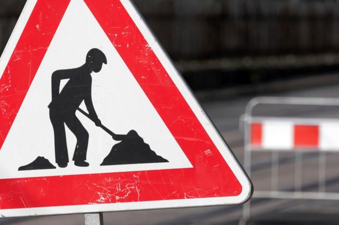 Een deel van de Westervoortsedijk in Arnhem wordt voorzien van nieuw asfalt.