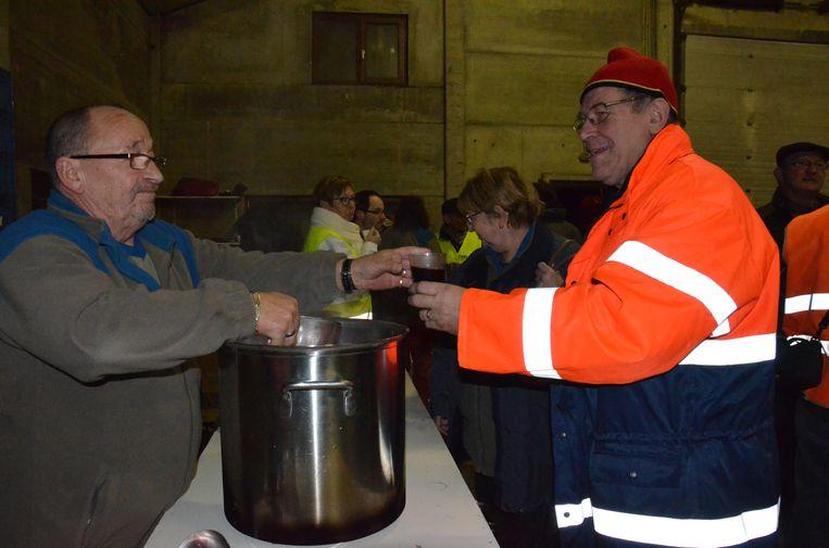 Wandelaars kunnen rekenen op een warm drankje tijdens de winterwandeling van Pasar.