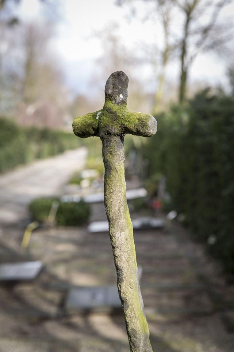 Begraafplaats Sint Barbara. Beeld Dingena Mol