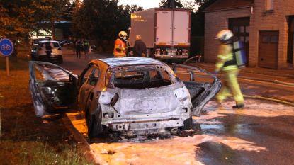 Geparkeerde Mercedes A AMG uitgebrand in Menen, onderzoek naar brandstichting