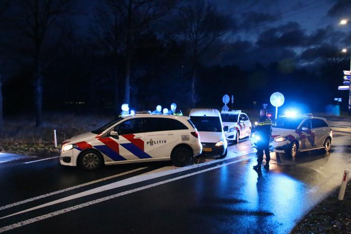 De klemgereden auto in Arnhem.